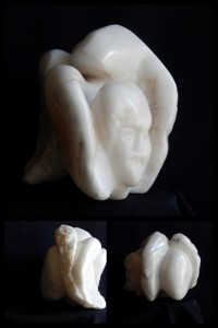 ANONYMUS - Albâtre - 43x30x26 cm - 19 kg